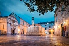 Historische Stadt von Dubrovnik in der D?mmerung, Dalmatien, Kroatien stockbilder