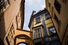 Historische Stadtstraße Prag Stockbilder