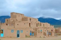 Historische Taos Pueblo Stock Afbeeldingen