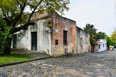 Historische traditionele huizen in Colonia, Uruguay Stock Foto