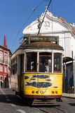 Historische Tram 28, Lissabon lizenzfreie stockbilder