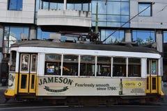 Historische Tram 28 in Lissabon, Portugal Lizenzfreies Stockfoto