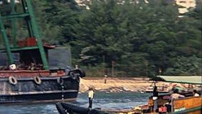 Historische vissersboten stock videobeelden