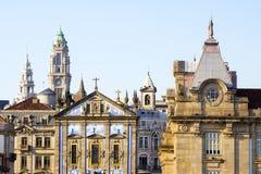 Historische voorgevels van Porto, Portugal royalty-vrije stock foto's