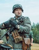 Historische wederopbouw tweede wereldoorlog De Duitse militairen zijn Stock Foto's