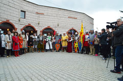 Historische wederopbouw van middeleeuwse Bulgaarse kostuums Stock Foto
