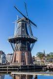 Historische Windmühle Adriaan in der Mitte von Haarlem Stockfotografie