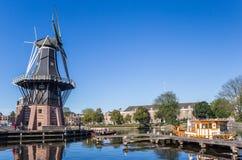 Historische Windmühle Adriaan in der Mitte von Haarlem Lizenzfreies Stockbild