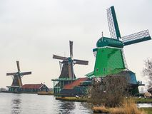 Historische windmolens in Zaanse Schans royalty-vrije stock afbeelding