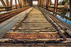 Historische Zugbrücke in Lathrop lizenzfreie stockbilder