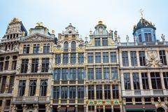 Historische Zunfthäuser Grand Place s in Brüssel lizenzfreie stockfotografie