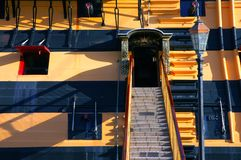 Historischer Eingang zum H.M.S. Sieg Stockfotos