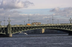 Historischer Förderwagen auf Troitskiy Brücke Stockfoto