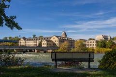 Historischer Fox-Fluss Mills Apartments Lizenzfreie Stockfotografie