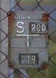 Historischer Gray Gate Valve Sign Stockbilder
