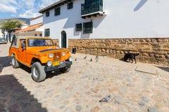 Historischer Jeep rief Willy in der historischen Mitte von Villa de Le an lizenzfreies stockfoto
