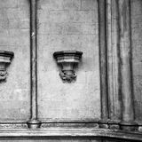 historischer Marmor und Statue Englands in der alten Stadt von London Lizenzfreies Stockfoto