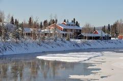 Historischer Pionierpark durch den Fluss im Winter Lizenzfreies Stockfoto