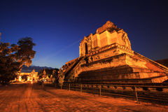 Historischer Tempel Wat Chedi Luangs in Thailand Lizenzfreies Stockfoto