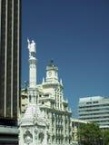 Historischer Turm Madrid Spanien Europa der Bürogebäude Lizenzfreie Stockfotos