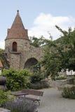Historischer Turm in Zwingenberg lizenzfreie stockfotos
