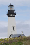 Historischer Yaquina-Bucht-Leuchtturm auf Oregon-Küste Stockfotos