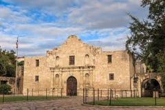 Historisches Alamo in der Dämmerung Stockbilder