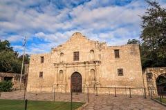 Historisches Alamo in der Dämmerung Stockfoto