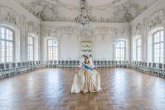 Historisches cosplay Frau im Similitude von Katharina die Große, Kaiserin von Russland lizenzfreie stockfotos
