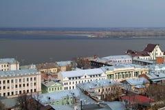 Historisches Gebäude auf den Banken des Volga Lizenzfreie Stockbilder