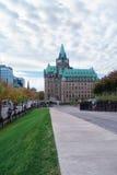 Historisches Gebäude im Parlaments-Hügel Stockfotos