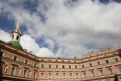Historisches Gebäude St Petersburg Lizenzfreies Stockbild