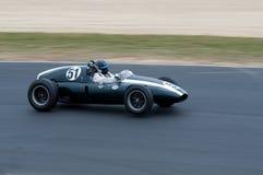 Historisches laufendes Auto des Fassbinders F1 mit Drehzahl Lizenzfreies Stockbild