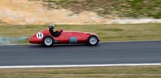 Historisches Maserati F1 laufendes Auto mit Drehzahl Stockbild