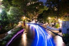 Historisches San Antonio River Walk nachts Lizenzfreies Stockfoto