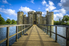 Historisches Schloss und Burggraben Bodiam in Ost-Sussex Stockfoto