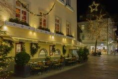 Historisches Stadtzentrum von Baden-Baden mit Weihnachtsdekorationen Stockbilder
