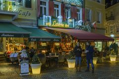 Historisches Stadtzentrum von Baden-Baden mit Weihnachtsdekorationen Stockfotografie
