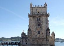 Historisches Torre De Belem in Lissabon in Portugal stockfotos