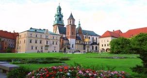 """Historisches Viertel von Krakau, Polen - königliches Schloss Wawel †""""Wawel-Kathedrale stock video"""