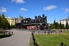 Historisk ångalokomotiv på skärm i Astana Royaltyfria Bilder