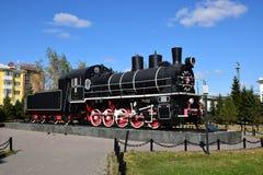 Historisk ångalokomotiv på skärm i Astana Arkivbild