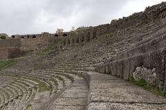 Historisk amfiteater för Pergamon Acient stadsakropol fotografering för bildbyråer