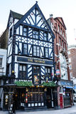 Historisk bar i London Royaltyfria Foton
