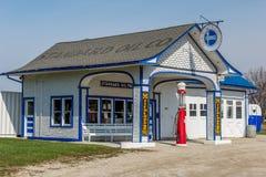 Historisk bensinstation för Route 66 normalolja arkivfoton