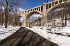 Historisk betongbågebro - Pennsylvania arkivbilder