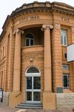Historisk byggnad av sparbanken av Australien i Victor Harbor Royaltyfri Foto