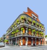 Historisk byggnad i den franska fjärdedelen i New Orleans Royaltyfri Fotografi