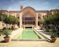Historisk byggnad i Iran Royaltyfri Bild