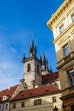 Historisk byggnad i Prag, Tjeckien Royaltyfri Foto